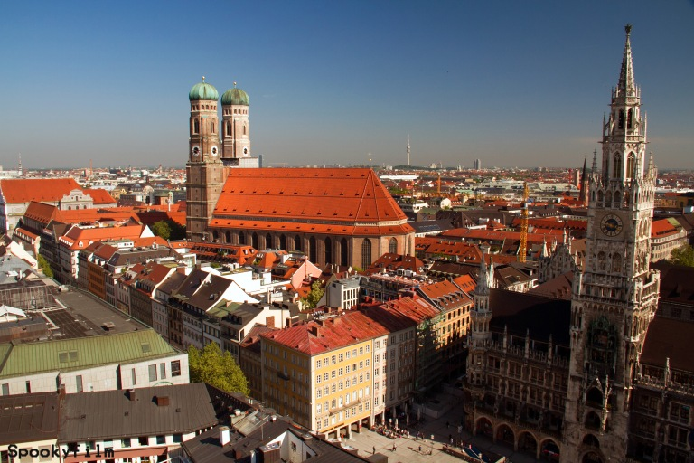 Frauenkirche_Rathaus_1