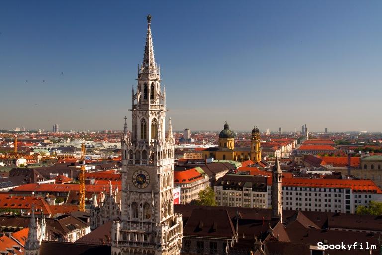 Rathausturm und Theatinerkirche